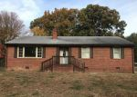 Foreclosed Home in Petersburg 23805 215 HOLLY HILL DR - Property ID: 4228100