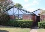 Foreclosed Home in Dallas 75227 4719 LOMAX DR - Property ID: 4228205