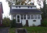 Foreclosed Home in Syracuse 13206 1106 S GLENCOVE RD - Property ID: 4228463