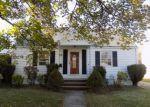 Foreclosed Home in Edison 8837 17 WALTUMA AVE - Property ID: 4228547