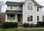Foreclosed Home in Jamestown 42629 522 LAKEVIEW DR - Property ID: 4228837