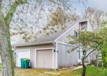 Foreclosed Home in Winfield 60190 27W020 COOLEY AVE - Property ID: 4228932