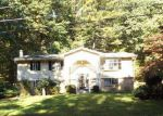 Foreclosed Home in Stroudsburg 18360 806 WEDGEWOOD LAKE DR - Property ID: 4229793