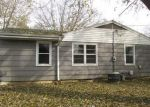 Foreclosed Home in Peoria 61604 2817 N VICTORIA AVE - Property ID: 4230759