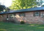 Foreclosed Home in Winchester 37398 102 ALLEN DR - Property ID: 4231336