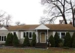 Foreclosed Home in Ronkonkoma 11779 51 WOODLAND ST - Property ID: 4232216