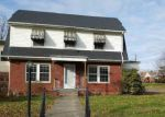 Foreclosed Home in Huntington 25701 404 11TH AVE W - Property ID: 4232748