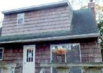 Foreclosed Home in East Hampton 11937 6 LINCOLN AVE - Property ID: 4233331