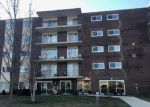 Foreclosed Home in Downers Grove 60515 5300 WALNUT AVE APT 7D - Property ID: 4233801