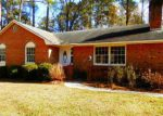 Foreclosed Home in Lake Waccamaw 28450 103 OAK RD - Property ID: 4234404