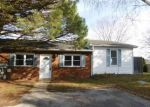 Foreclosed Home in Bear 19701 614 GREEN TREE LN - Property ID: 4236724