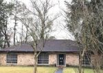 Foreclosed Home in Baton Rouge 70815 12210 MOLLYLEA DR - Property ID: 4237954