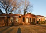 Foreclosed Home in Spring Hope 27882 8822 CHANTILLY RD - Property ID: 4239103