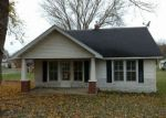 Foreclosed Home in Lafayette 37083 215 EDGEWOOD ST - Property ID: 4239230