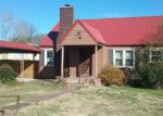 Foreclosed Home in Lake City 37769 708 SHORT AVE - Property ID: 4239336