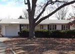 Foreclosed Home in Topeka 66614 3012 SW ARNOLD AVE - Property ID: 4239536