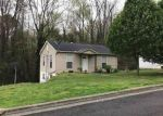 Foreclosed Home in Guntersville 35976 2013 BEARD ST - Property ID: 4240947