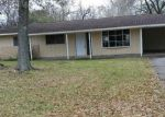 Foreclosed Home in Beaumont 77707 154 BERKSHIRE LN - Property ID: 4241208