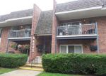 Foreclosed Home in Downers Grove 60515 4043 SARATOGA AVE APT 223 - Property ID: 4242438