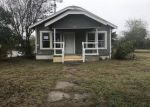 Foreclosed Home in San Antonio 78237 902 SW 38TH ST - Property ID: 4243063