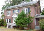 Foreclosed Home in Trenton 28585 335 W JONES ST - Property ID: 4243286