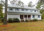 Foreclosed Home in Laurinburg 28352 1009 HEATHER LN - Property ID: 4243287