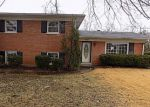 Foreclosed Home in Louisville 40214 6717 OAK VALLEY DR - Property ID: 4244748