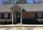 Foreclosed Home in Hammond 70401 45463 POINTE DR APT 10 - Property ID: 4244753