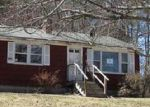 Foreclosed Home in Norway 4268 40 DON HUNT RD - Property ID: 4245310