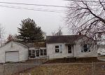 Foreclosed Home in East Alton 62024 31 W WOODLAND DR - Property ID: 4247132