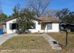 Foreclosed Home in Pleasanton 78064 924 OAKCREST DR - Property ID: 4247585