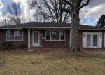 Foreclosed Home in Alton 62002 16 HOLLY HILL DR - Property ID: 4248125