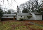 Foreclosed Home in Centereach 11720 16 CHARLES ST - Property ID: 4248385