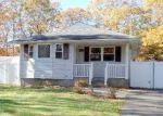 Foreclosed Home in Coram 11727 26 HOWE RD - Property ID: 4249372