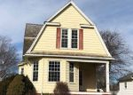 Foreclosed Home in Clinton 61727 503 W SOUTH ST - Property ID: 4249568