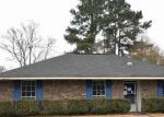 Foreclosed Home in Baton Rouge 70816 16815 ABSHIRE AVE - Property ID: 4249686