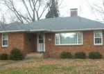 Foreclosed Home in Watseka 60970 216 E MULBERRY ST - Property ID: 4251528
