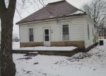Foreclosed Home in Easton 62633 304 S 3RD ST - Property ID: 4251545