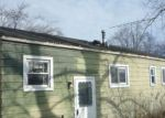 Foreclosed Home in Waukegan 60087 2817 SHOSHONE RD - Property ID: 4251855