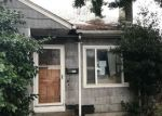 Foreclosed Home in Seattle 98108 8412 12TH AVE S - Property ID: 4252187