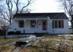 Foreclosed Home in Decatur 62526 829 W HAZEL AVE - Property ID: 4253521