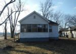 Foreclosed Home in Evansville 47714 3219 S WEINBACH AVE - Property ID: 4253623