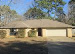 Foreclosed Home in Longview 75605 2918 RUIDOSA ST - Property ID: 4254174