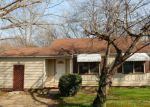 Foreclosed Home in Chattanooga 37406 2007 SHERMAN ST - Property ID: 4254464