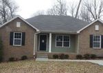 Foreclosed Home in Clarksville 37042 506 ASPEN DR - Property ID: 4254466