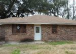 Foreclosed Home in Reserve 70084 171 E 20TH ST - Property ID: 4254774