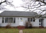 Foreclosed Home in Dover 19901 705 E DIVISION ST - Property ID: 4255021
