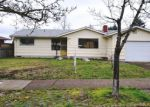 Foreclosed Home in Eugene 97405 945 W 24TH AVE - Property ID: 4255428