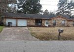 Foreclosed Home in Lufkin 75901 2204 MOFFETT RD - Property ID: 4257012