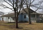 Foreclosed Home in Gillespie 62033 800 E WALNUT ST - Property ID: 4257080
